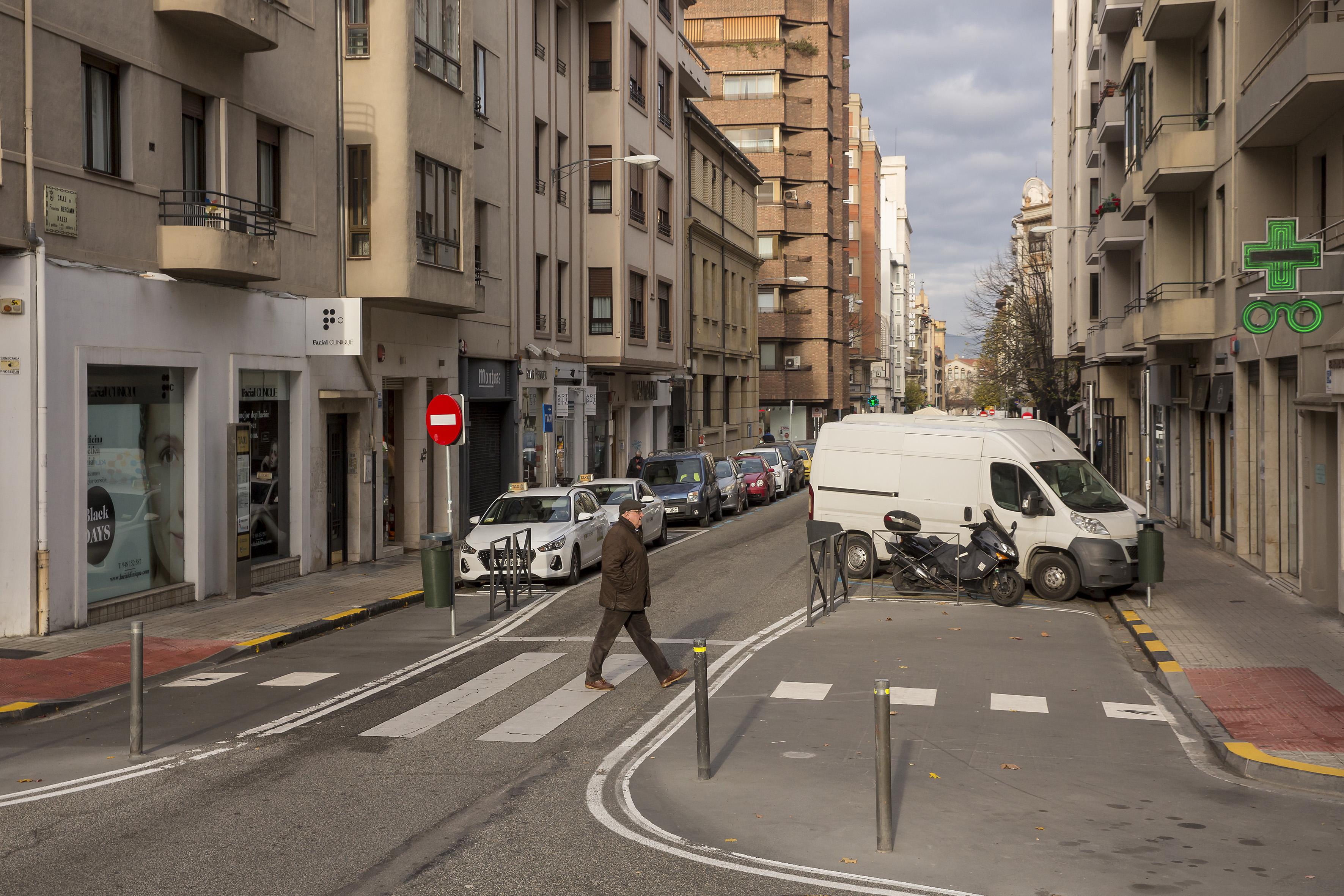 Ayuntamiento de Pamplona concluirá la adecuación de los pasos peatonales a la Ordenanza de Movilidad actuando en 526